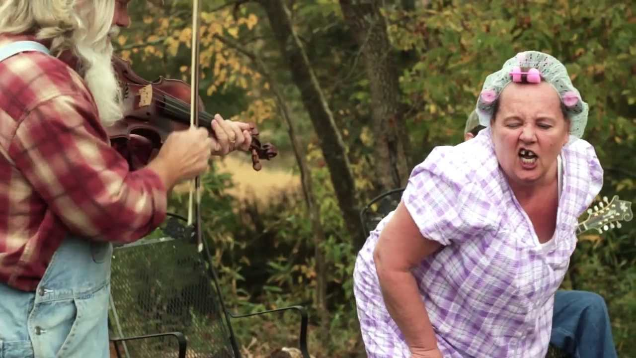Mountain Twerker - Granny Twerking Song