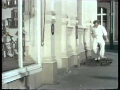 It's Just Not Cricket! Marty Feldman  Long Distance Bowler!