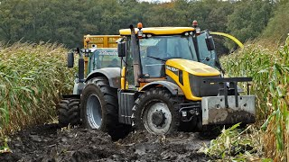 John Deere 6850 | JCB Fastrac 8250 Vario | Harvesting mais in the mud | Kroes | NL.