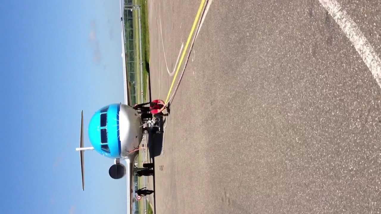 Sterkste man ter wereld probeer vliegtuig weg te trekken youtube - Vloerlamp van de wereld ...