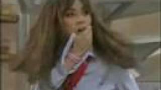Vico cachetea a Mia - Rebelde - RBD
