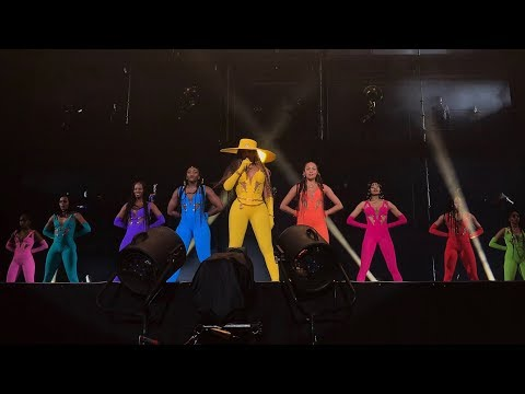 Beyoncé - Formation / Run The World  Global Citizens Festiva