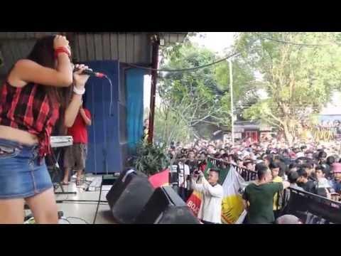 KALUA - Ngayal Lagi Live Taman Topi Bogor
