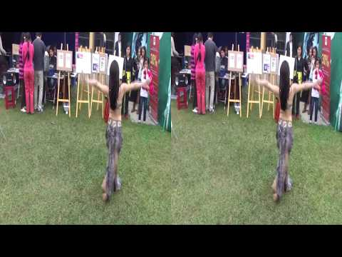 [3D VIDEO] Dư Ngân's belly dance at the Charity bazaar 3D!