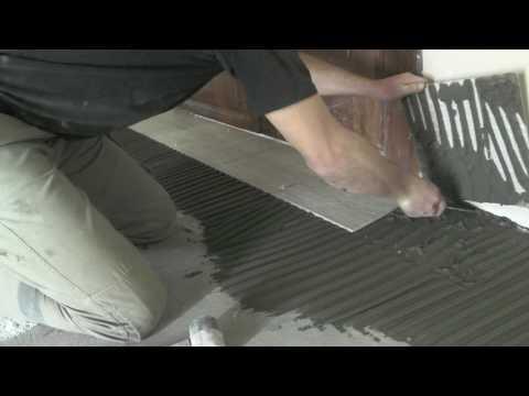 Укладка кривой плитки на кривую стяжку криворуким плиточником.