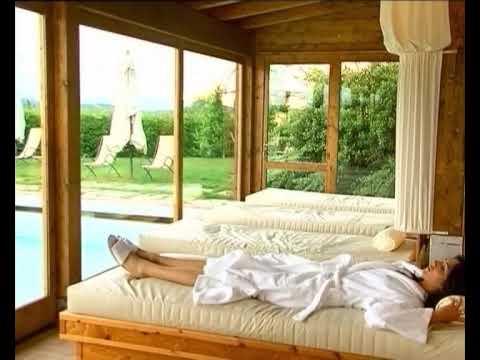 Weekend romantico in agriturismo con centro benessere piscina coperta idromassaggio ecc youtube - Agriturismo con piscina coperta ...