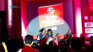 Ipang dan Ridho Slank Nyanyikan Lagu Tema Ajang Torabika Soccer Championship