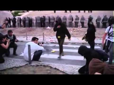 Carga policial frente à Assembleia da República: O que não viu.