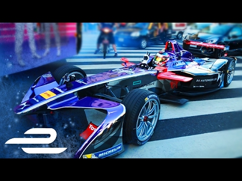 José María López Drives Around Buenos Aires! - Formula E