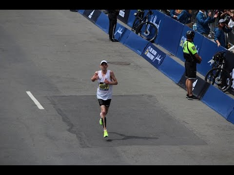 Boston Marathon's best feel the post-race pain of walking down stairs