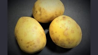 Чтобы картофель в мундире не разварился...