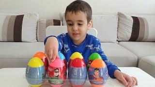 Berat 8 Tane Sürpriz Yumurta Açtı. Plays with Surprise Eggs Toys