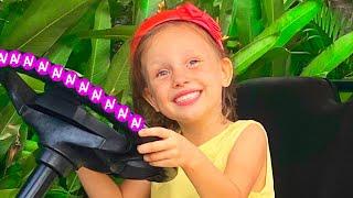 The Wheels On The Bus Lagu Anak-Anak Video Edukasi dari Alex dan Nastya