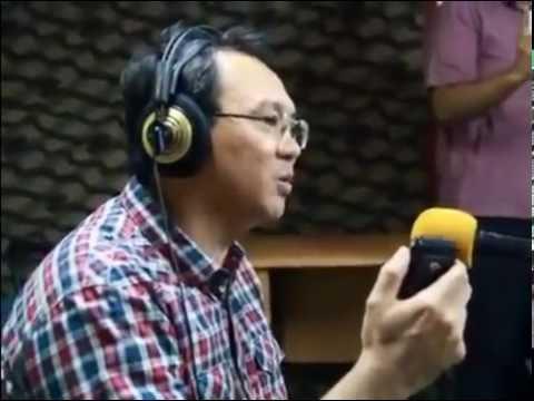 Populer, Ahok Bernyanyi Lagu Bahasa Mandarin Yue liang dai biao wo de xin