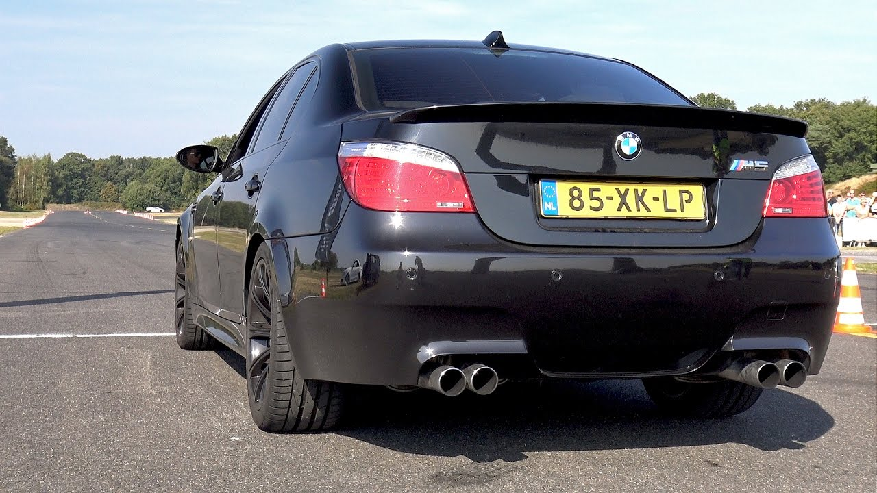 bmw m5 v10 exhaust sounds best v10 ever youtube. Black Bedroom Furniture Sets. Home Design Ideas