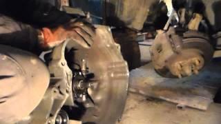 Замена выжимного подшипника Nissan Sunny-Нисса́н Са́нни.