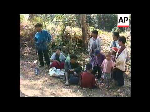 THAILAND/BURMA: REFUGEES LEFT HOMELESS AFTER HOMES ARE BURNT DOWN