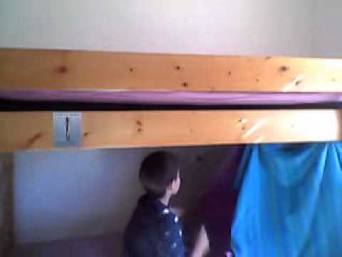 Gabriel Montre Comment Fair Des Cabane Dans Ca Chambre Youtube
