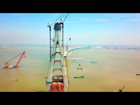 First pylon in place for Shanghai-Nantong Yangtze River Brid