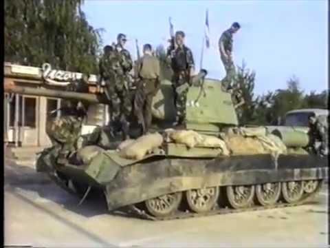 Serb tanks T-34 (1991-1995) - YouTube