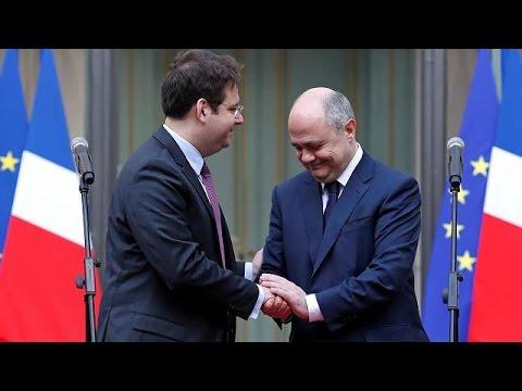 France : Le Nouveau Ministre De L'Intérieur A Pris Ses Fonctions
