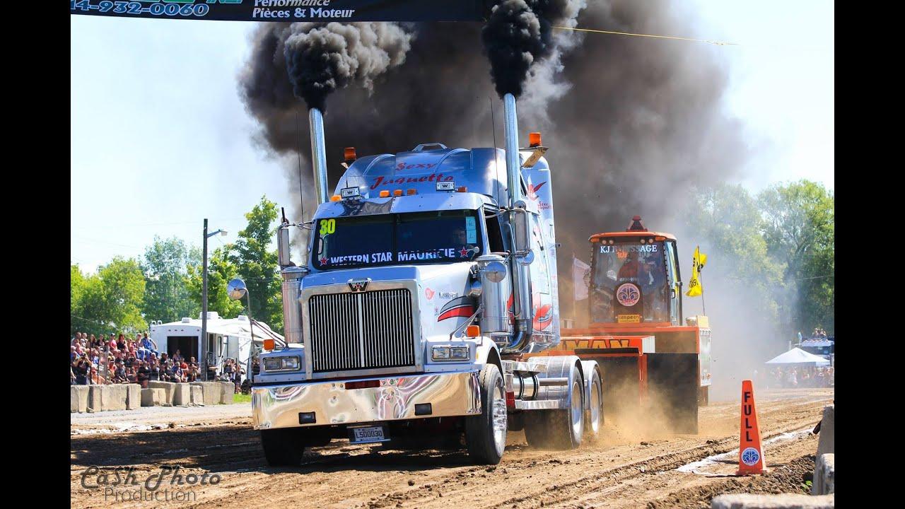 Semi Truck Pulls at Bedford Québec Canada ( Truck N Roll en Cœur ) 2016