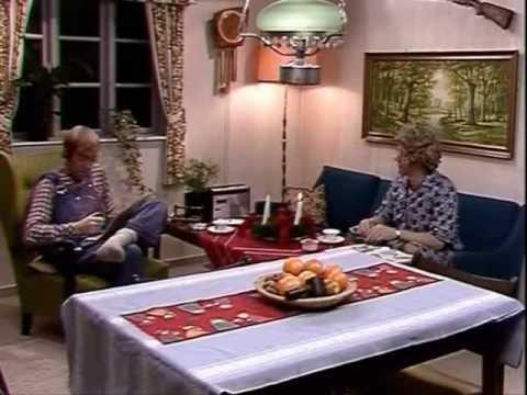 The Julekalender Oluf Og Gertrud Hører Radio Youtube