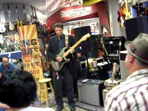 King of the blues 2010 oxnard store winner Dave Miller.MOV