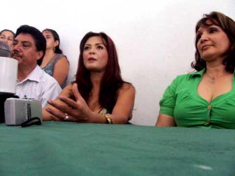 Elpidia Carrillo habla en Parácuaro, Michoacán. Por Gonzalo Zamora