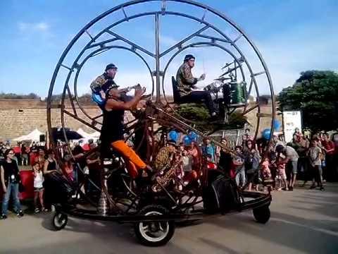 Factoria Circular (Live Music Wheel)