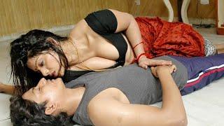 मेरी भाभी बहोत सेक्सी है Devar Bhabhi ki SuhagRaat bhabhi ko akele me pyaar se dala
