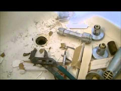 How To Remove Fiberglass Tub Surround