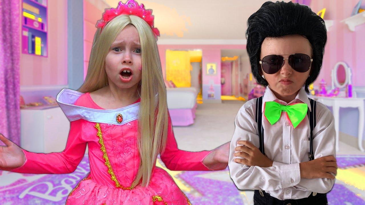 Alice se viste vestidos nuevos y llaga tarde a la fiesta para princesas