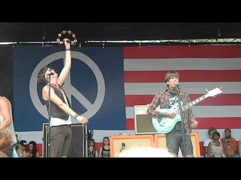 Magic - Never Shout Never ft. William Beckett (Live at Warped Tour 2013)