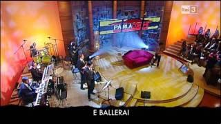 Bandiera rossa (Pisapia song) : Elio e le storie tese a Parla con me 26/05/2011