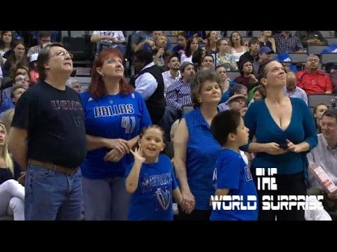 Soldier Surprises Family at Mavs Game