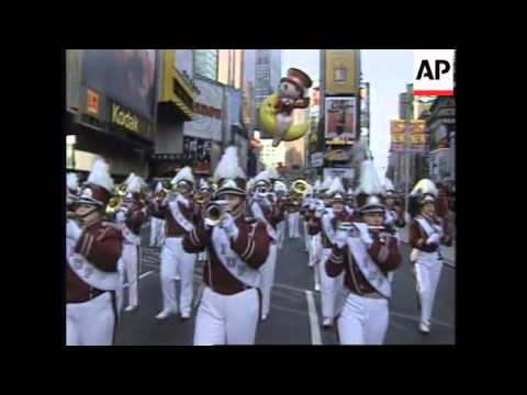 USA: NEW YORK: 70TH ANNUAL MACY'S THANKSGIVING DAY PARADE
