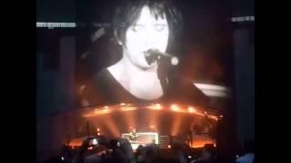 Indochine s'en prend à Christine Boutin en plein concert au Stade de France