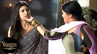 Naagin | Yamini KILLS Shivanya & Burries her DEAD BODY | 16th April 2016 EPISODE