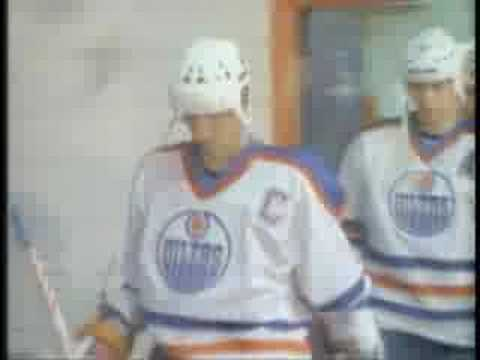 Top Moments: Gretzky scores 50 in 39