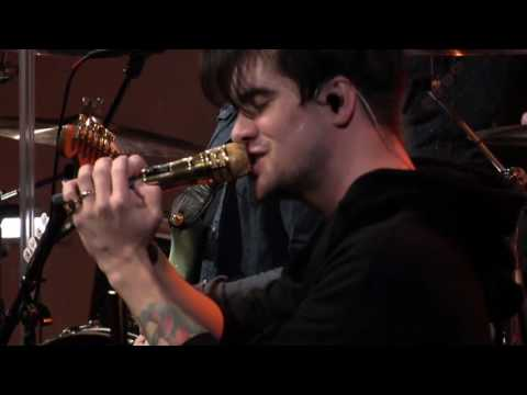 Panic! At The Disco - Victorious [Live In The Sound Lounge]