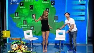 Flavia Mihăşan face spagatul pe două scaune!