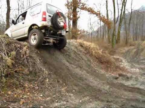 jimny 4x4 dans la boue hill climb in mud jb43 youtube. Black Bedroom Furniture Sets. Home Design Ideas