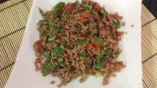 Fried Thai Spicy Holy Basil With Beef Recipes. (Traditional Style) ผัดกระเพราะเนื้อแบบโบราณ
