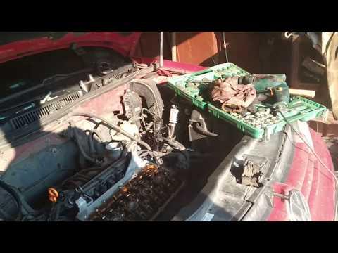 Замена ремня грм VW Golf 4 1.6 16v. Устраняем течь масла с под клапанной крышки.