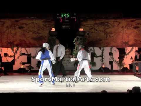 2010 NBL Supergrands - Natalie Aquino v Joselyn Es...