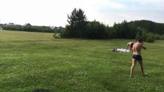 На озере поём песни за 300 нет доната иду купаться )