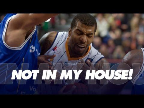 Not in my house! Ex-NBA-Spieler Tyrus Thomas mit dem Volleyball-Block