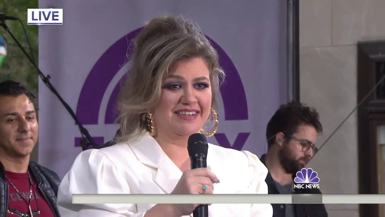 Kelly Clarkson - Whole Lotta Woman (NBC Today Show) 10⁄11⁄2018