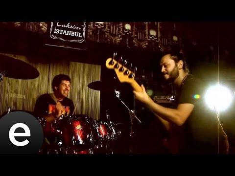 Eylül Akşamı (Zagaband) Official Music Video #eylülakşamı #zagaband
